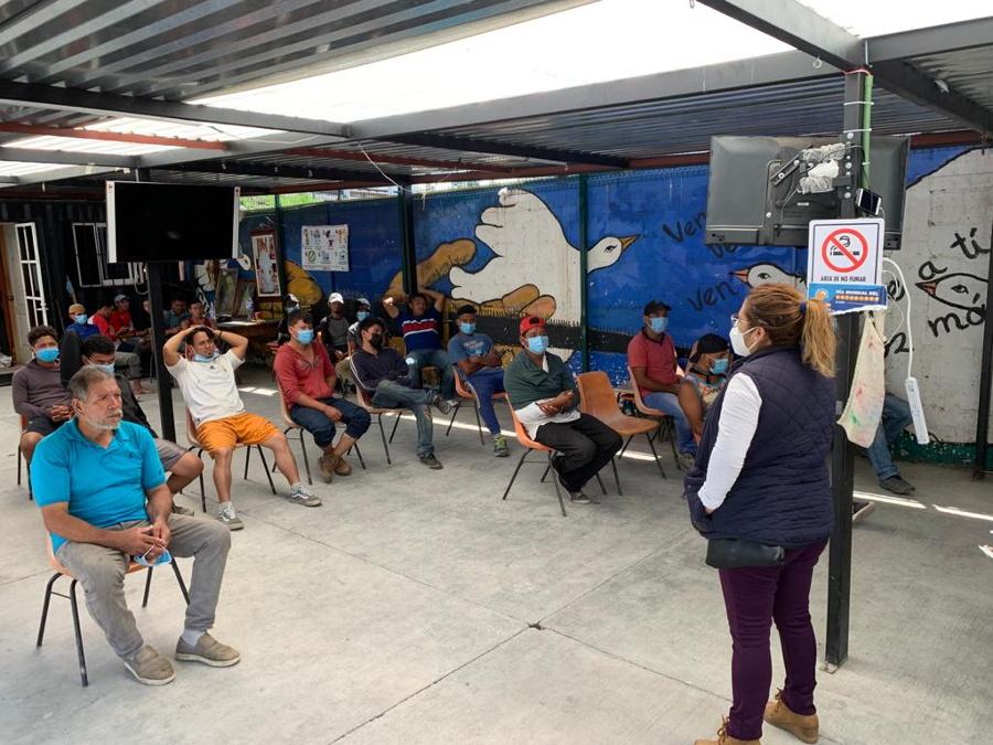 Migrantes-Albergue-de-la-Sagrada-Familia-1.jpg